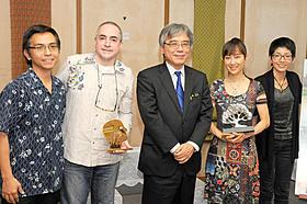 工藤夕貴、クロード・ガニオン監督が沖縄県庁を訪問「カラカラ」