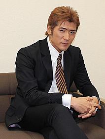 新レーベルを始動する吉川晃司(2010年12月撮影)「サムライ・ロック」