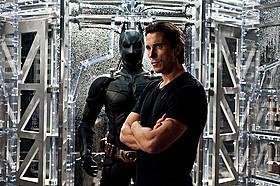 「ダークナイト ライジング」の一場面「バットマン」