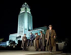 1940年代のクラシカルな衣装にも注目「L.A. ギャング ストーリー」