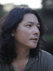 8年ぶりに長編劇映画を撮り上げた岩井俊二監督「ヴァンパイア」