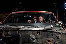 危険なカーアクションに挑んだマッカリー監督(左)とクルーズ(右)「アウトロー」