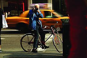 「ビル・カニンガム&ニューヨーク」の一場面「ビル・カニンガム&ニューヨーク」