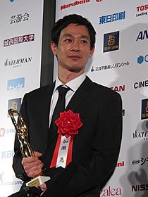 毎日映画コンクールで男優助演賞を受賞!「アウトレイジ」