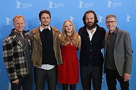 J・フランコがヒュー・へフナーに扮した「Lovelace」監督とキャスト陣「クルージング」