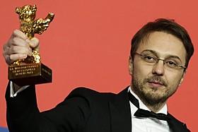 金熊賞を手にしたカリン・ピーター・ネッツァー監督「ノー・マンズ・ランド」