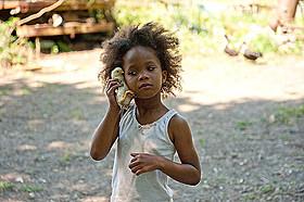 「ハッシュパピー バスタブ島の少女」の一場面「ハッシュパピー バスタブ島の少女」