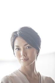 主婦・奈津美を演じる板谷由夏「電車男」