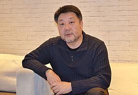 インタビューに応じる原田眞人監督「わが母の記」