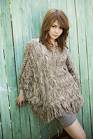 主題歌を担当する泉沙世子「手紙」