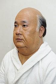 特殊メイクでヒッチコックに扮した田中裕二「ヒッチコック」