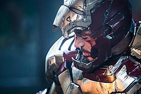 トニー・スターク=アイアンマンの最後の戦いが幕を開ける「アイアンマン」