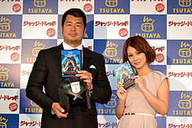 (左より)「ジャッジ・ドレッド」を絶賛した高田とダレノガレ「ジャッジ!」