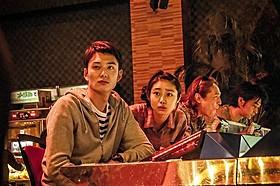「オー! ファーザー」に主演する 岡田将生とヒロイン役の忽那汐里「オー!ファーザー」