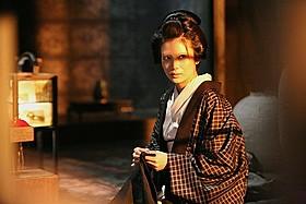 劇中劇でお岩さんを演じる柴咲コウ「一命」