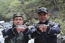 釣り対決を行った田中要次と宇梶剛士