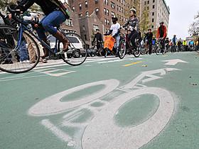 ニューヨークの自転車専用レーン「ブレードランナー」