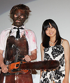 トークイベントに出席した加弥乃「悪魔のいけにえ」