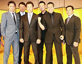 「ダイヤモンド」の完成会見に出席した(左から) 元木大介、ギャオス内藤、高橋慶彦、鈴木健、 パンチ佐藤、田中一徳「ダイヤモンド」
