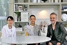 冨永愛(中央)とクラウディオ・コルッチ氏(右)