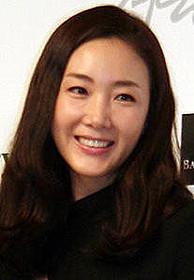 主人公の家政婦役を演じるチェ・ジウ