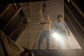 クラークと養父ジョナサンとのエピソードも見どころのひとつ「スーパーマン」