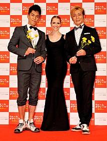 (左から)武井壮、テリーサ・パーマー、つるの剛士「ウォーム・ボディーズ」
