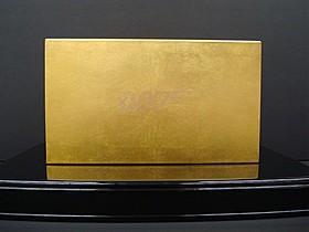 金箔がまばゆく輝く「007黄金BOX」「007/ゴールドフィンガー」