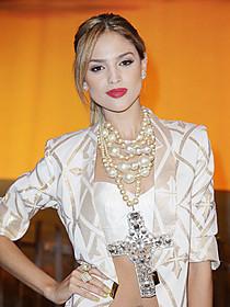 るメキシコ人歌手・女優のエリザ・ゴンザレス