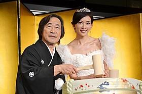 武田鉄矢と台湾の人気女優リン・チーリン「101回目のプロポーズ SAY YES」