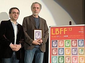 初来日したフェルナンド・トルエバ監督(右)「ふたりのアトリエ ある彫刻家とモデル」