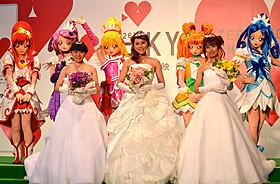 雨にも負けずウエディングドレス姿を披露「映画 ドキドキ!プリキュア マナ結婚!!?未来につなぐ希望のドレス」