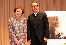 トークショーに出席した海老名香葉子と林家正蔵「母の身終い」