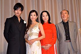 13年ぶりの主演映画「チャイ・コイ」の初日 挨拶に出席した川島なお美、イ・テガンら「チャイ・コイ」