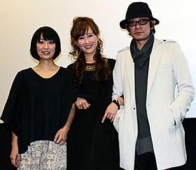 「りんごのうかの少女」初日挨拶に立った (左から)横浜聡子監督、工藤夕貴、永瀬正敏「りんごのうかの少女」