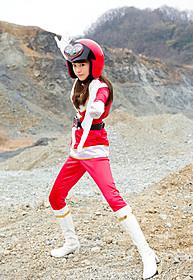 戦隊ものに初挑戦する桐谷美玲「女子ーズ」