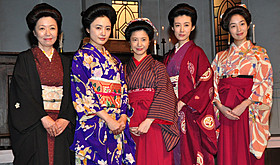 女学校シーン撮影に臨む「花子とアン」キャスト陣「赤毛のアン」