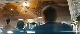 前作のR2-D2登場シーン(左の乗組員の頭近くに見える)「スター・トレック」