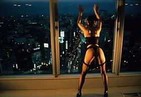 バブル期の東京を描くエロティックロマンス「トパーズ」