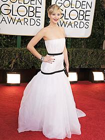 「ディオール」のドレスでゴールデン・グローブ賞に出席した ジェニファー・ローレンス「アメリカン・ハッスル」