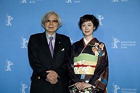 ベルリンで会見に応じた山田洋次監督と黒木華「小さいおうち」
