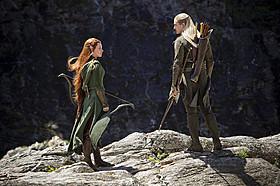 レゴラス(右)と同じエルフ族の新キャラクター、 タウリエル(左)のテーマも!「ロード・オブ・ザ・リング」