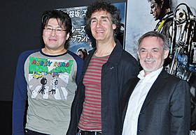 (左から)桜坂洋氏、ダグ・リーマン監督、アーウィン・ストフ氏「オール・ユー・ニード・イズ・キル」