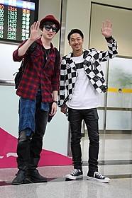 台北松山空港で熱烈な 歓迎を受けたAKIRAと城田優「GTO」