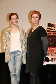 オレリー・デュポン(左)とブリジット・ルフェーブル「フィガロの結婚」