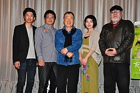 上田耕一(中央)初の主演作が公開「独立少年合唱団」