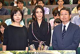 (左から)MCを務めた浜田敬子氏(AERA編集長)、 サヘル・ローズ、満田康弘氏(瀬戸内海放送記者)「レイルウェイ 運命の旅路」