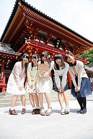 鶴岡八幡宮を訪れた「ハナヤマタ」メインキャスト
