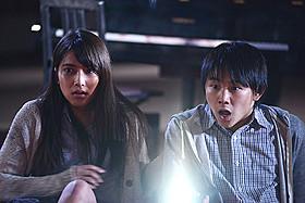 AKB48・入山杏奈(左)が主演する「青鬼」「青鬼」