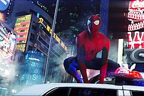 タイムズスクエアでスパイダーマンとエレクトロが激突!「アメイジング・スパイダーマン2」